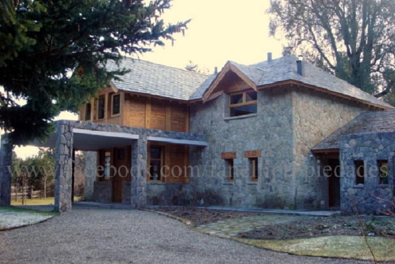Casa en exclusivo B° cerrado Muelle de Piedra (Cod. 111)