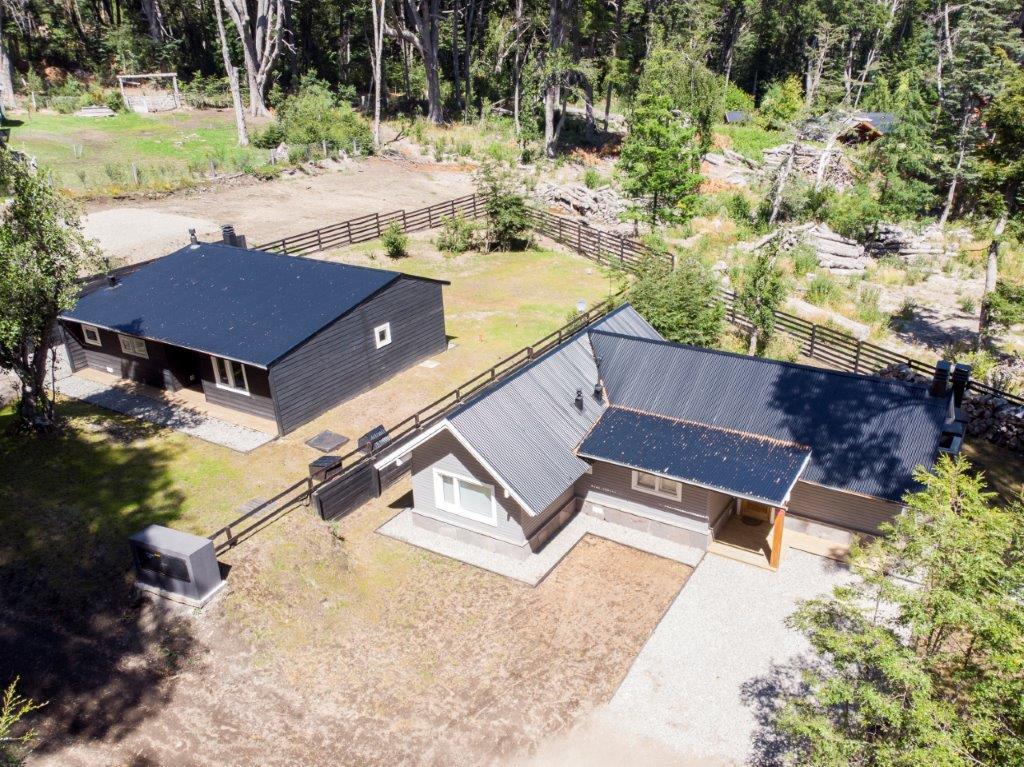 MUY LINDA casa en el bosque de Manzano (Cod.104)